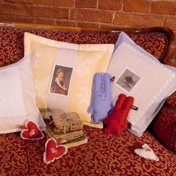 Picture of Sofa pillow with photos
