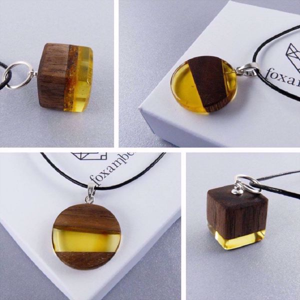 Picture of Amber and wood jewelry