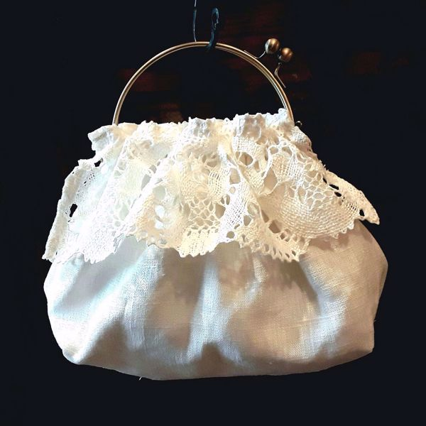Picture of Elegant bag with linen lace