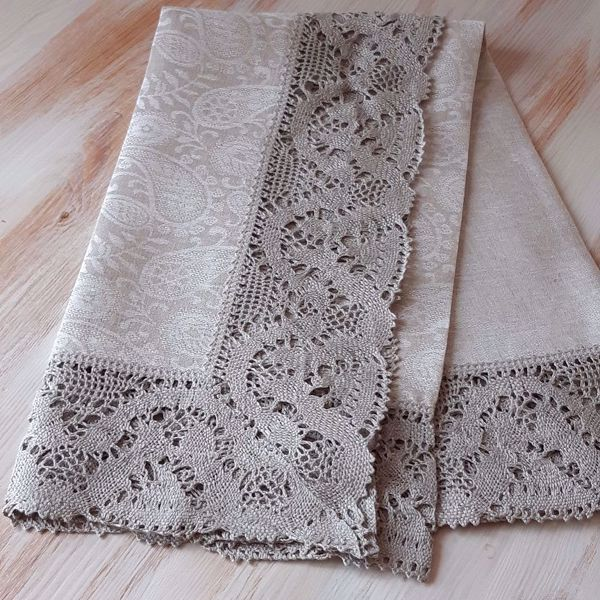"""Picture of Tablecloth """"Paysley"""" with laces 100X100"""