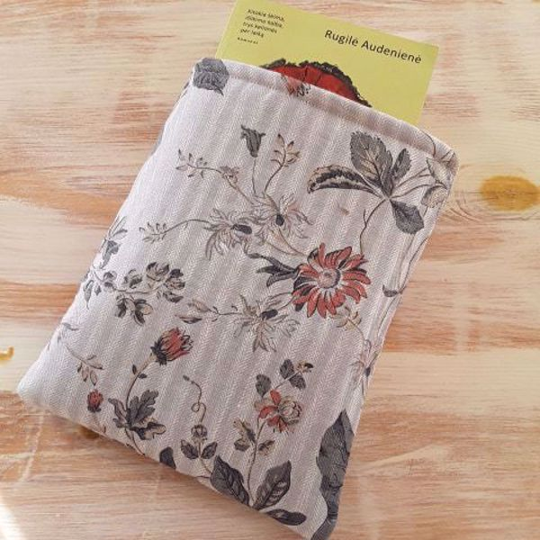 """Picture of Linen book sleeve """"Romantic"""""""